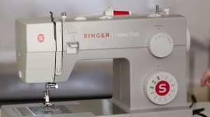 Read more about the article 10 BEST Mechanical Sewing Machines in 2021