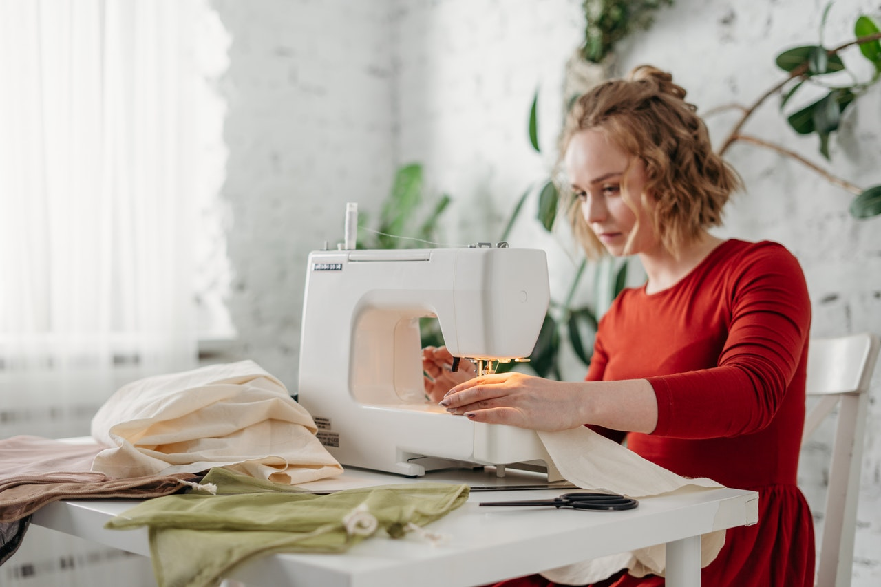 Read more about the article Can Sewing Machines Overlock?