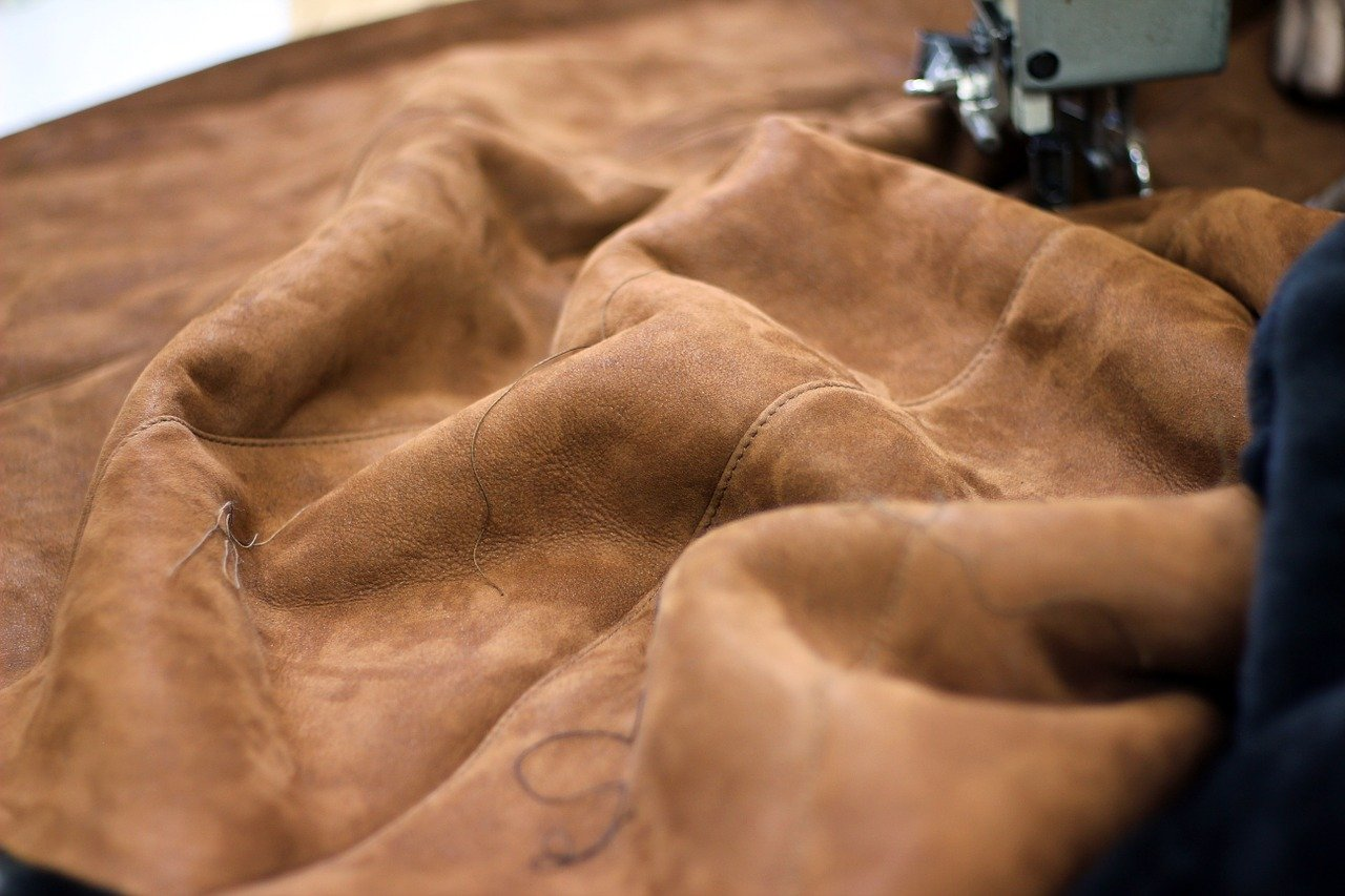 Read more about the article Can Sewing Machines Sew Leather?