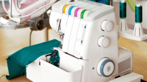 Read more about the article 4 BEST Serger Sewing Machines in 2021