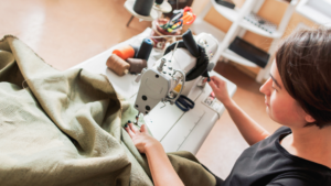 Read more about the article 3 BEST Sewing Machine For Upholstery in 2021
