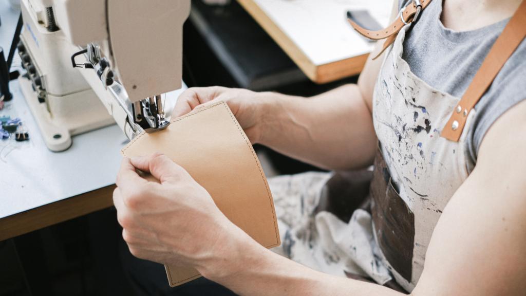 free-arm sewing machine