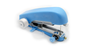 Read more about the article How To Thread A Mini Sewing Machine Easily