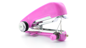Read more about the article A Definitive Guide About How to Thread a Handheld Sewing Machine