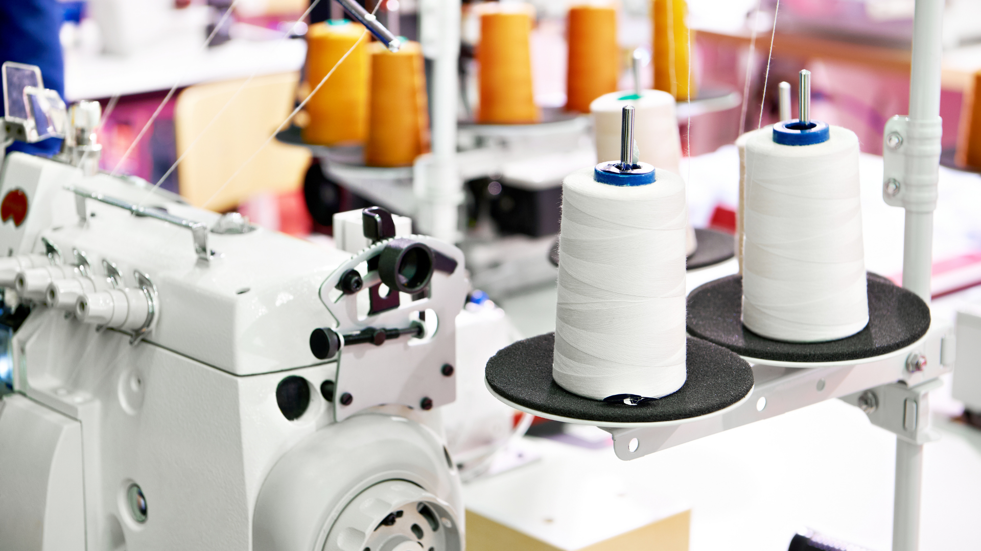 Read more about the article A Guide on Using Large Spools Of Thread On Sewing Machines