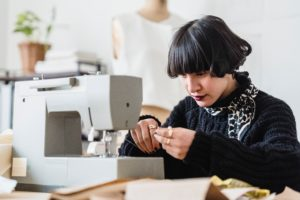 Read more about the article A Beginner's Guide: The Proper Way To Set Up Your Sewing Machine