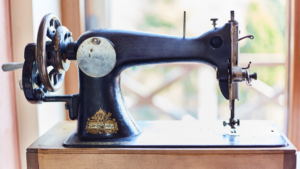 Read more about the article A Beginners Guide To Threading A Singer Sewing Machine [2021]